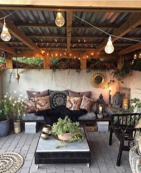 Fabulous DIY Projects To Make Small Backyard More Cozy 34