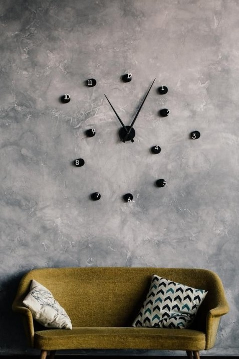 Gorgeous Wall Clock Decoration for Your Small Living Room19