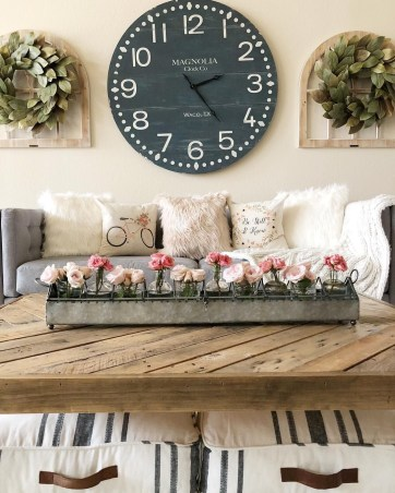 Gorgeous Wall Clock Decoration for Your Small Living Room39