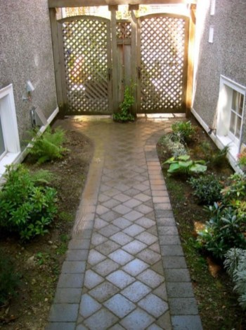 Most Amazing Side Yard Landscaping Ideas to Beautify Your Garden 08