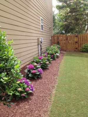 Most Amazing Side Yard Landscaping Ideas to Beautify Your Garden 25