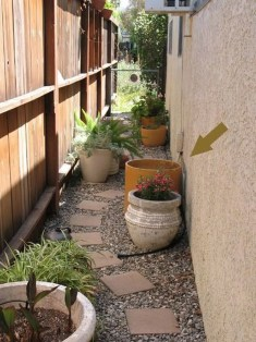 Most Amazing Side Yard Landscaping Ideas to Beautify Your Garden 47