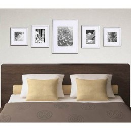 Simple And Memorable Photo Frame Decoration on Your Bedroom Wall 01