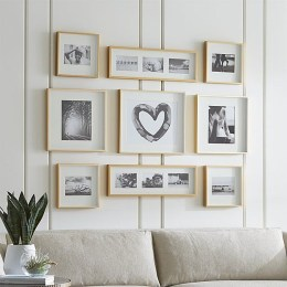 Simple And Memorable Photo Frame Decoration on Your Bedroom Wall 30