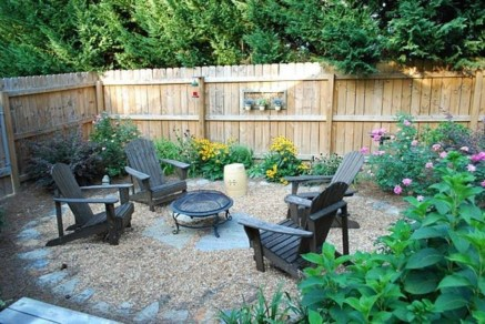 The Design of a Small, Simple Backyard You Must Have 09