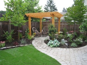 The Design of a Small, Simple Backyard You Must Have 17
