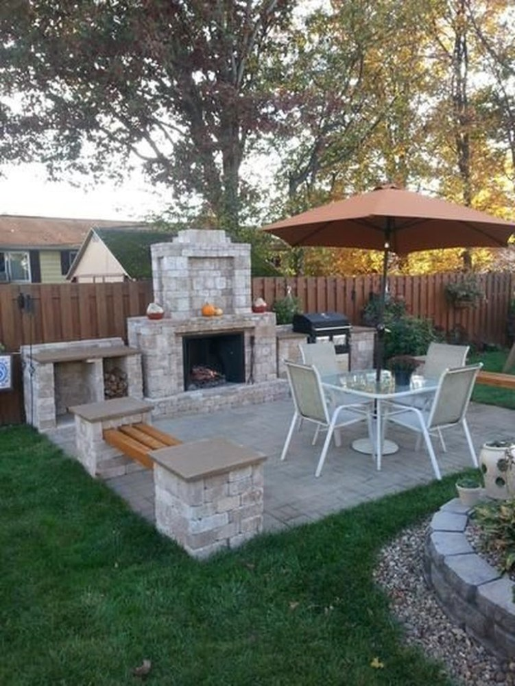Amazing Outdoor Kitchen Bars to Finish This Summer 07