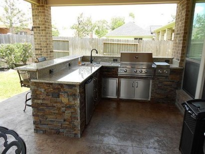 Amazing Outdoor Kitchen Bars to Finish This Summer 09