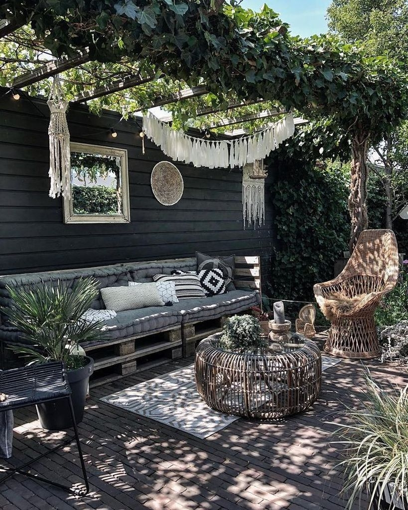 Awesome Outdoor Rooms Designed as Comfortable as Possible for You 18