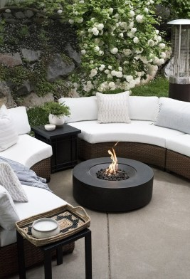 Awesome Outdoor Rooms Designed as Comfortable as Possible for You 38