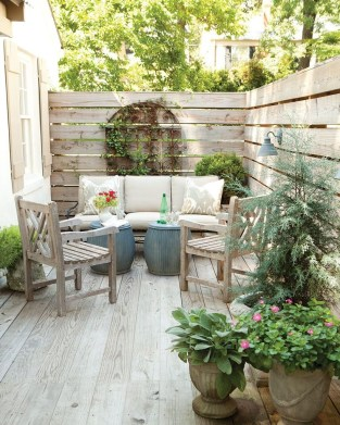 Awesome Outdoor Rooms Designed as Comfortable as Possible for You 45
