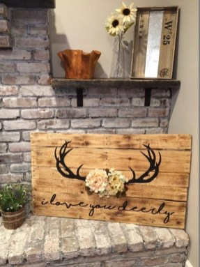 Cool Interior Design DIY Pallet to Beautify Wall Hangings of your Home 15