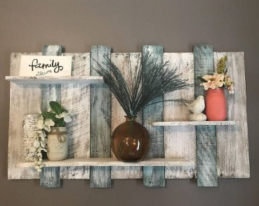 Cool Interior Design DIY Pallet to Beautify Wall Hangings of your Home 41