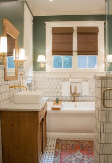 Majestic Bathroom Decoration to Perfect Your Dream Bathroom 48