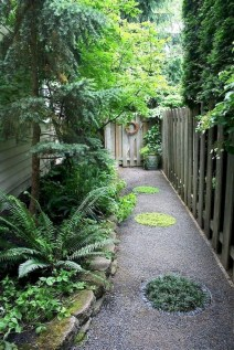 Mesmerizing Side Yard Landscaping Design Ideas to Perfect Your Garden Design 05