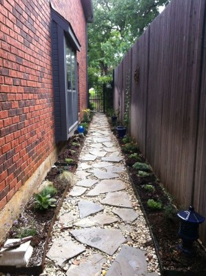 Mesmerizing Side Yard Landscaping Design Ideas to Perfect Your Garden Design 09