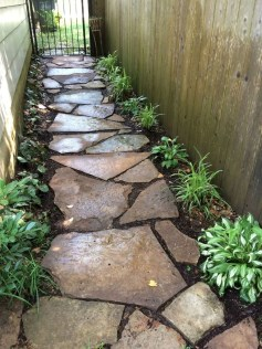 Mesmerizing Side Yard Landscaping Design Ideas to Perfect Your Garden Design 28