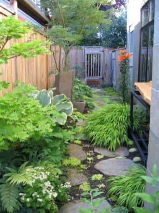 Mesmerizing Side Yard Landscaping Design Ideas to Perfect Your Garden Design 36