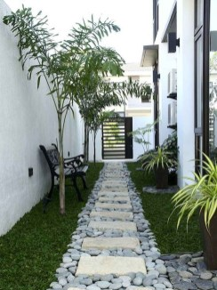Mesmerizing Side Yard Landscaping Design Ideas to Perfect Your Garden Design 47