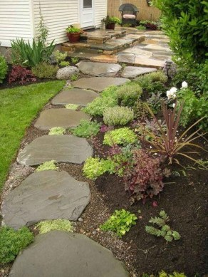 Mesmerizing Side Yard Landscaping Design Ideas to Perfect Your Garden Design 55
