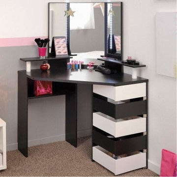 Most Comfortable Makeup Room with Mirror Decoration for Women 30
