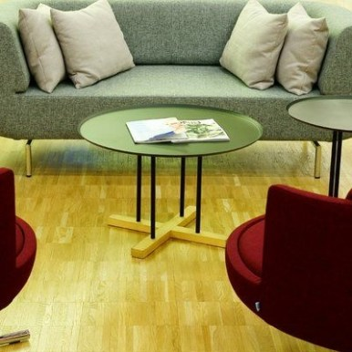 The Charm of Homely Contemporary Living rooms with Oval Coffee Table Decorations 21