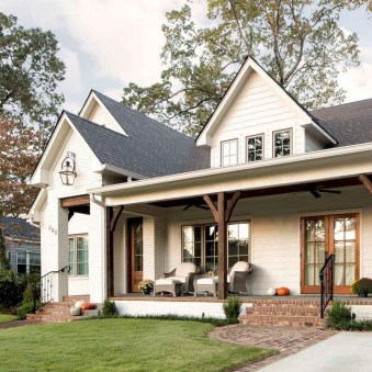 Variety of Colors Charming Exterior Design for Country Houses to Look Beautiful 27