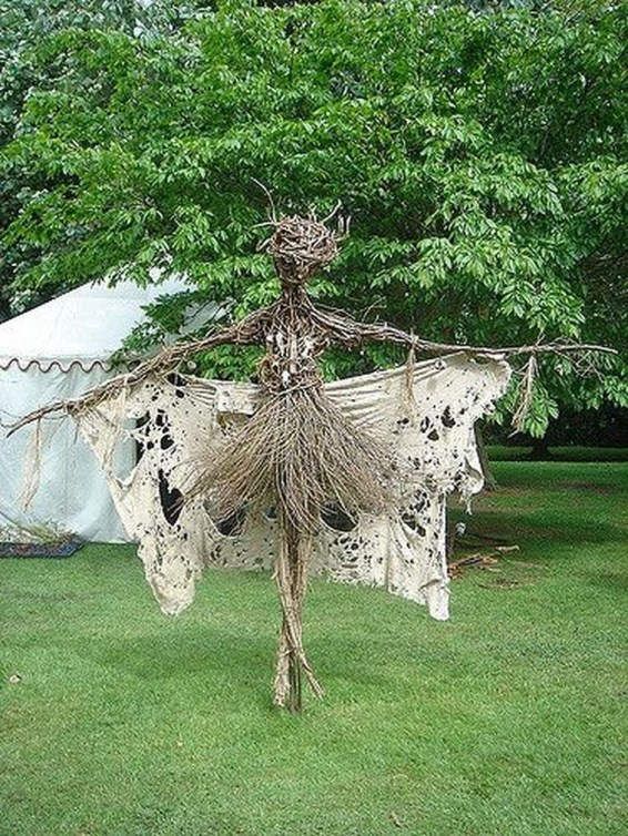 Best DIY Halloween Decorations To Perfect Your Outdoor Design 15