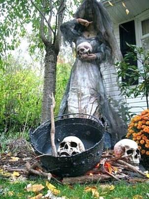 Best DIY Halloween Decorations To Perfect Your Outdoor Design 30