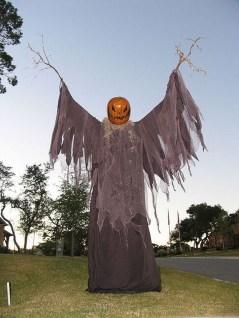 Best DIY Halloween Decorations To Perfect Your Outdoor Design 35
