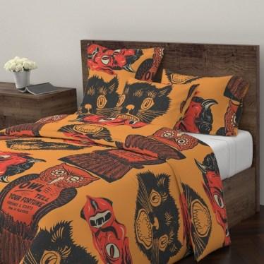 Cozy Halloween Bedroom Decorating Ideas 20
