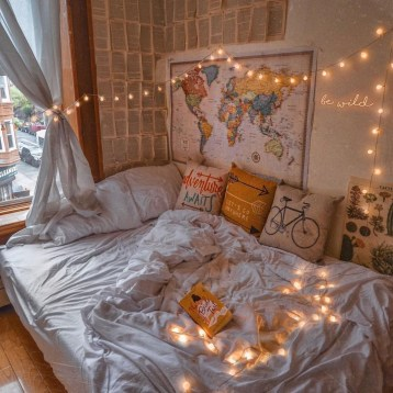 Cozy Halloween Bedroom Decorating Ideas 28