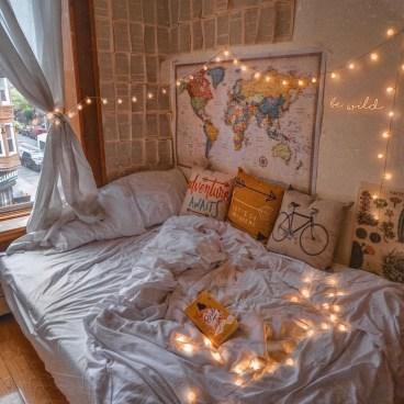 Cozy Halloween Bedroom Decorating Ideas 28