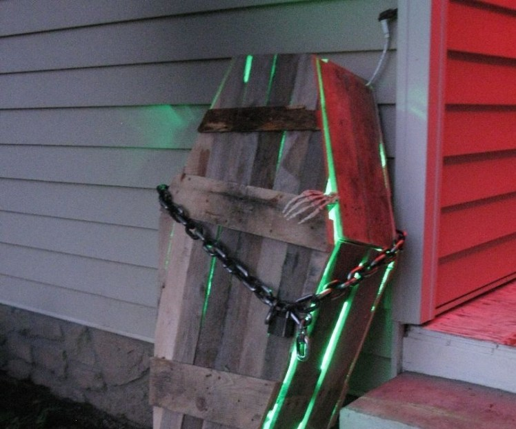 Creepy Halloween Coffin Decorations 27