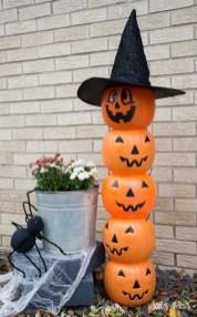 DIY Creepy Halloween Decorating Ideas Outdoors 10