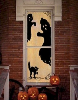 Easy and Cheap Halloween Decoration Ideas On a Budget 22