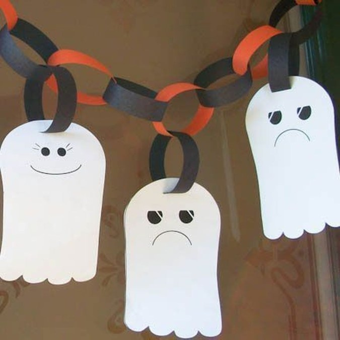 Easy and Cheap Halloween Decoration Ideas On a Budget 41