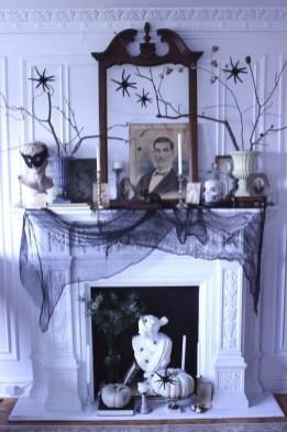 Elegant Halloween Mantel décor You Must Try In Halloween 2019 24