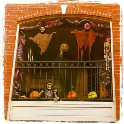 Gorgeous Halloween Ideas for Apartment Balcony This year 18