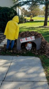Most Amazing DIY Halloween Decoration Ideas to Make Your Outdoor Decoration More Perfect 28