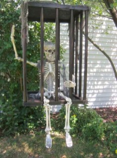 Most Amazing DIY Halloween Decoration Ideas to Make Your Outdoor Decoration More Perfect 30