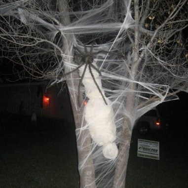 Most Amazing DIY Halloween Decoration Ideas to Make Your Outdoor Decoration More Perfect 44