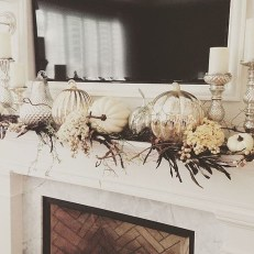 Most Beautiful Fall Decorating Ideas That Will Make More Perfect Home In This Fall 19