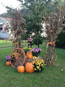 Most Beautiful Fall Decorating Ideas That Will Make More Perfect Home In This Fall 23