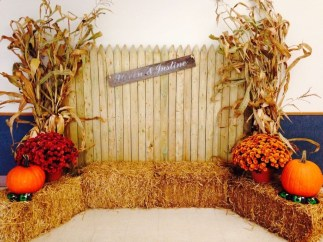 Most Beautiful Fall Decorating Ideas That Will Make More Perfect Home In This Fall 51