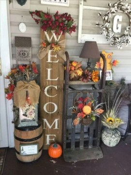 Most Beautiful Fall Decorating Ideas That Will Make More Perfect Home In This Fall 61