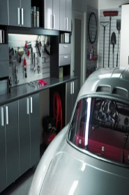 Smart and Comfortable Garage Organization for Your Small Room 27