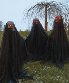 The Most Creepy Halloween Garden Decoration in Years 20