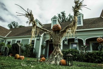 The Most Creepy Halloween Garden Decoration in Years 33