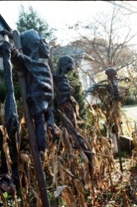 The Most Creepy Halloween Garden Decoration in Years 51